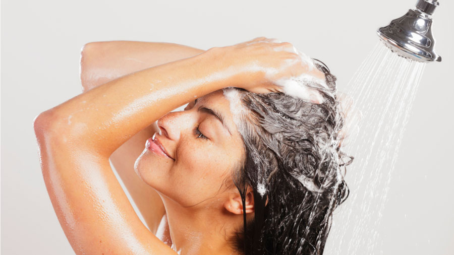 Foto de Para que serve o shampoo com ácido salicílico?