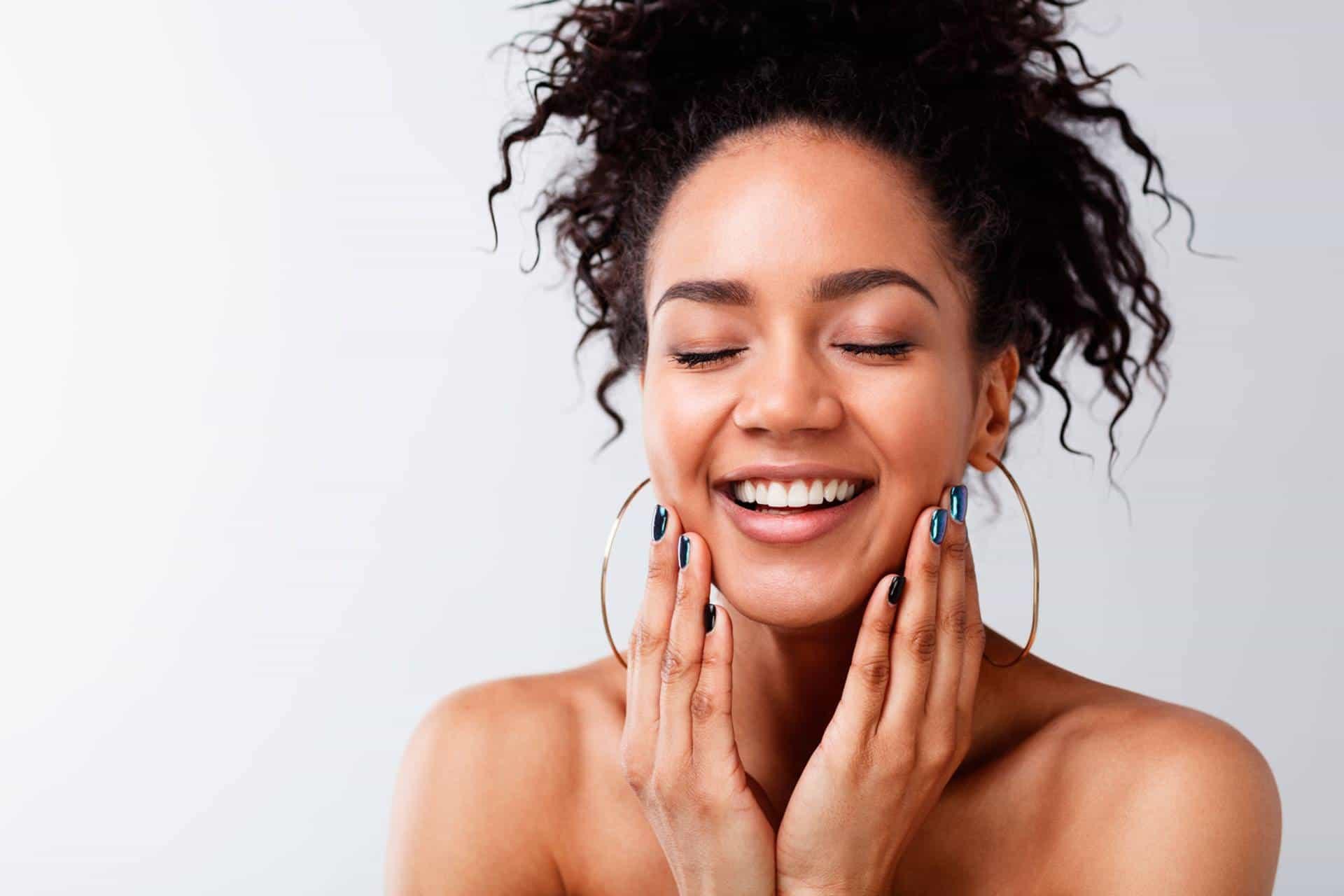 Foto de Vitamina C para o rosto: qual é a melhor, como usar e principais tipos